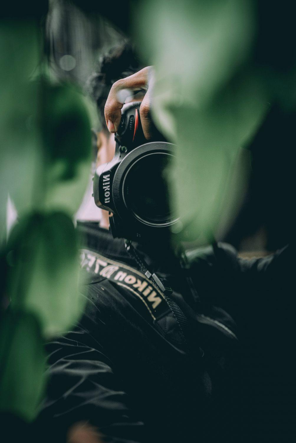 Foto von professionellen Fotografen mit Webseite von Marketing Agentur